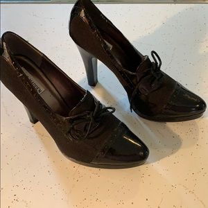 Black Steve Madden pumps